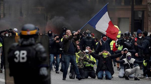 Францияда «сары жейделілер» шеруіне қатысушылар саны азайып келеді