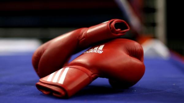 Боксшы жарысқа қатысу үшін 2,5 шақырымды жүзіп өткен