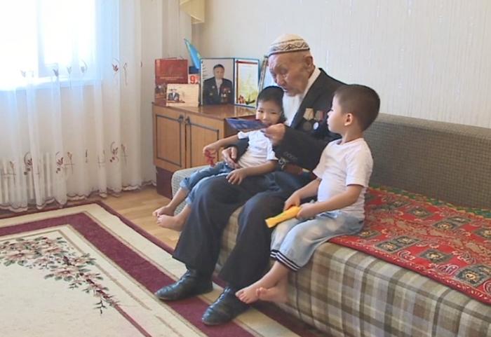 96-летний актауский ветеран ВОВ едет на EXPO в Астану