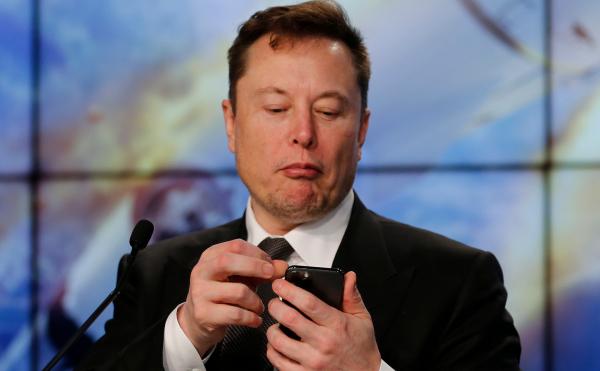 Илон Маск бір күнде 15 млрд долларынан айырылды