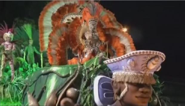 Бразилияның Рио-де-Жанейро қаласында карнавал өтіп жатыр