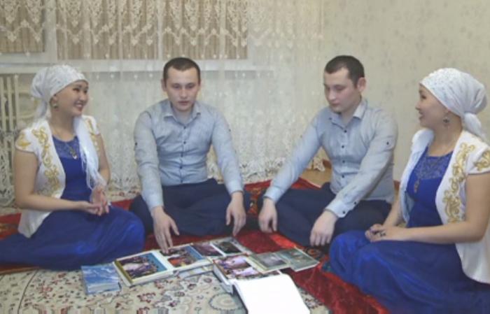 Актауские близнецы, женившиеся на близняшках, отметили 2-летнюю годовщину свадьбы