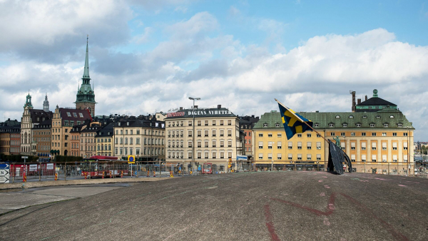Швеция коронавируспен күрес стратегиясын өзгертті