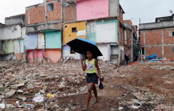 Бразилияда коронавирус салдарынан 17 млн тұрғын кедейге айналды