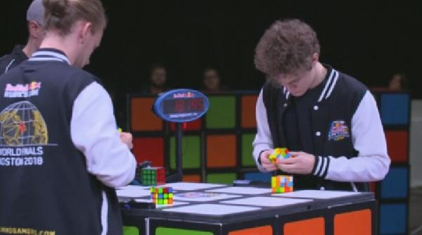Бостонда Рубиктің кубигін жылдам құрастыру бойынша әлем чемпионаты өтті